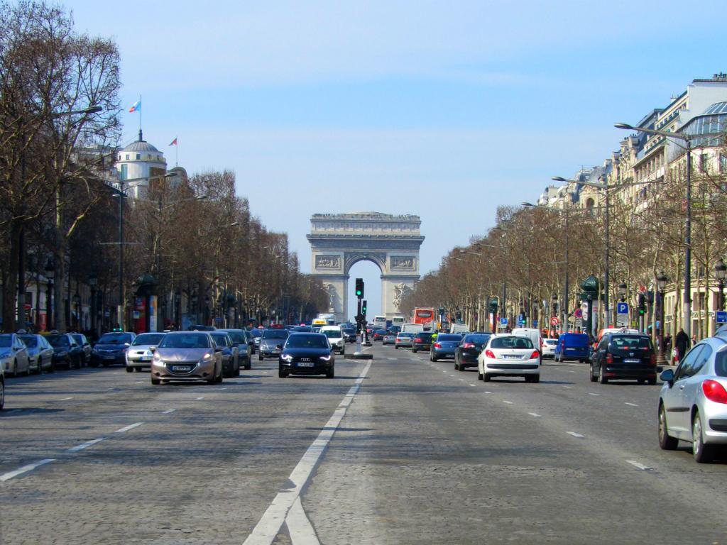 PARIS_ChampsElysees