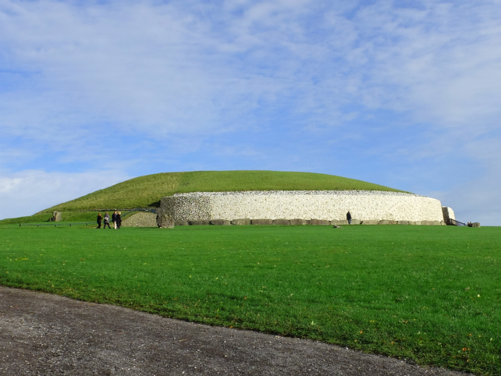 Newgrange | Olivia Leaves