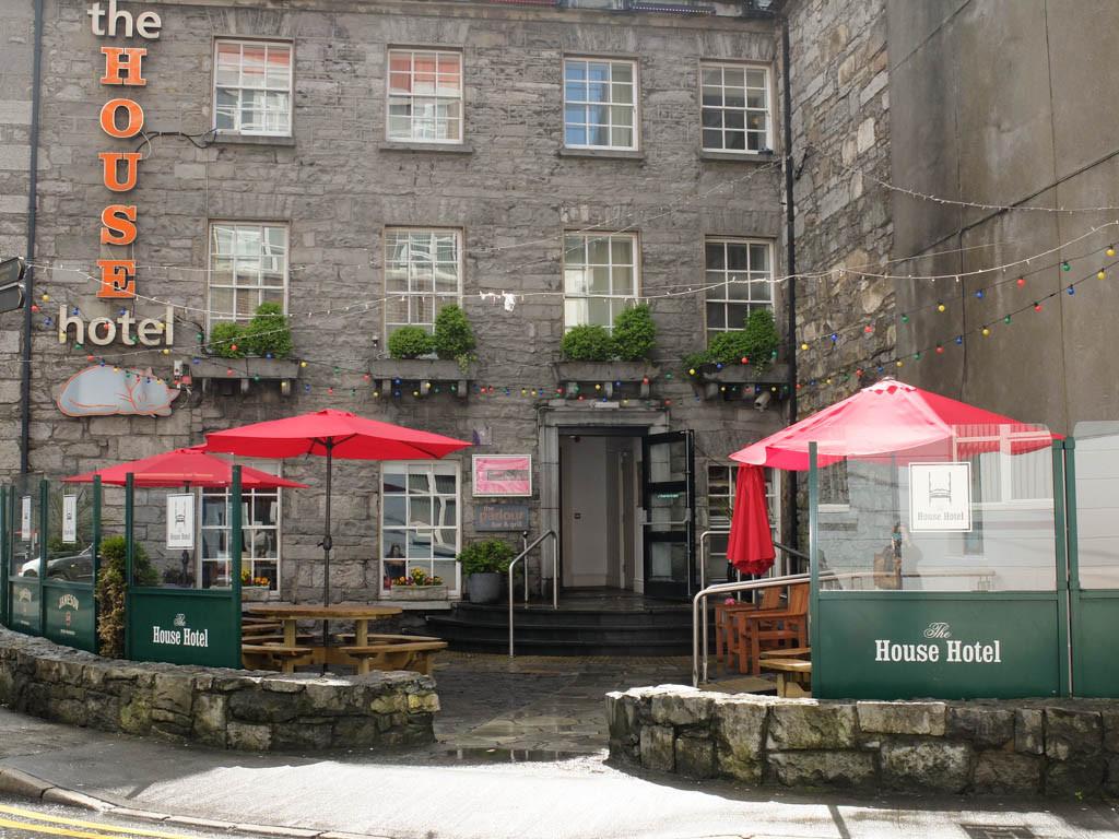Olivia Leaves | Galway-5
