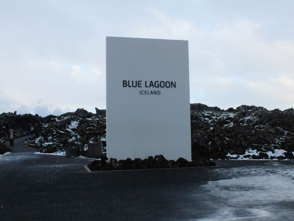 Olivia Leaves | Iceland Blue Lagoon