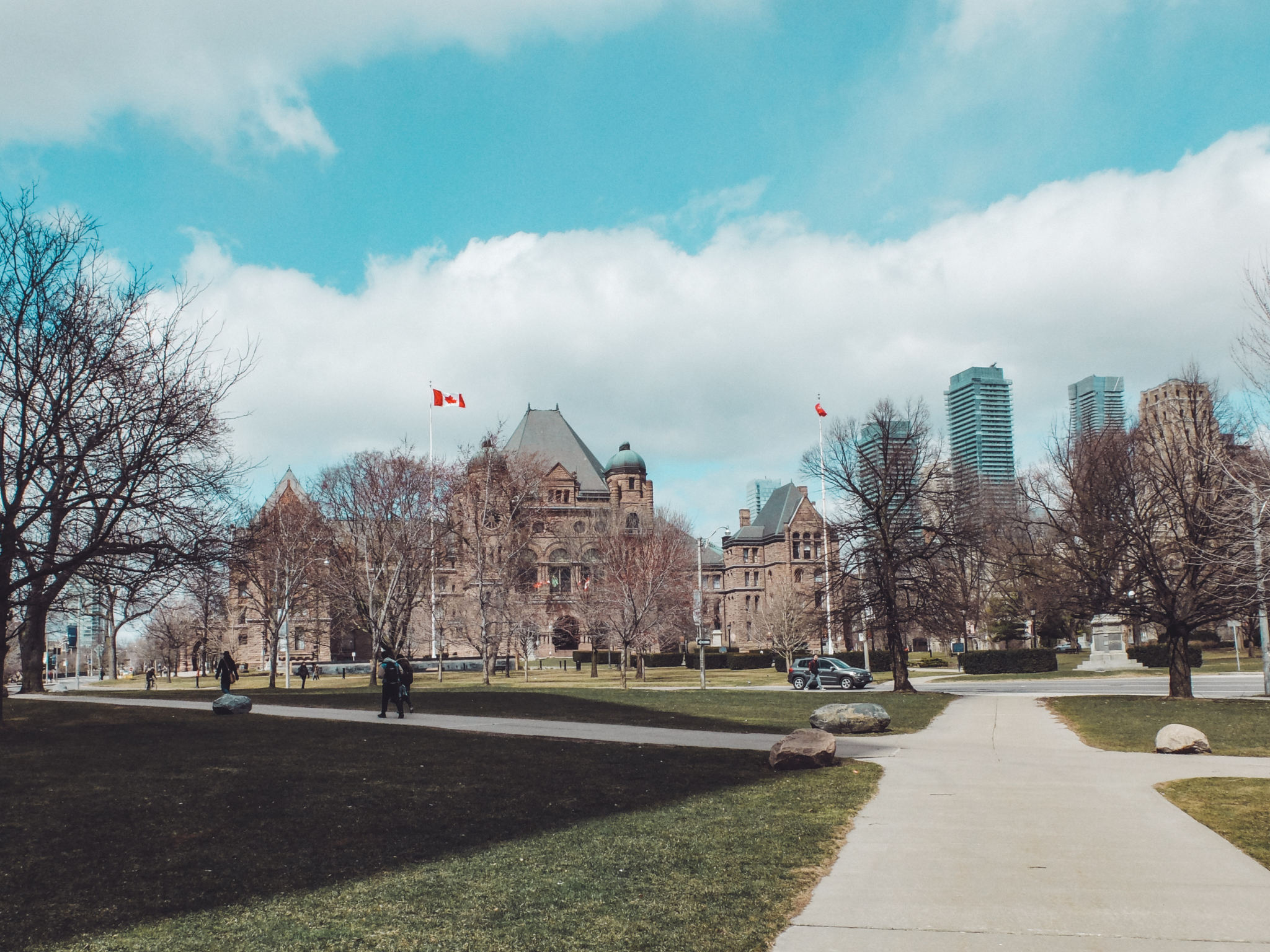Olivia Leaves | Toronto