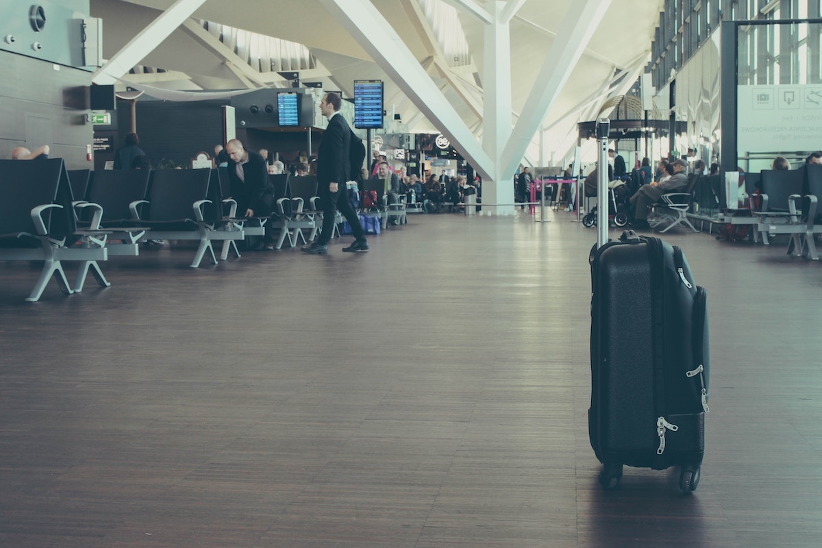 Olivia Leaves | Reduce Airport Stress